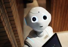 DOMBLICK - Beitrag Digitalisierung Bits und Bots Teil 2 Robot (c) Pixabay