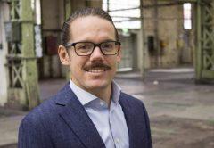 OMBLICK-Beitrag Sebastian-Zollinger wechselt von EY zu PwC Schweiz_VÖD 20210218_1024x683